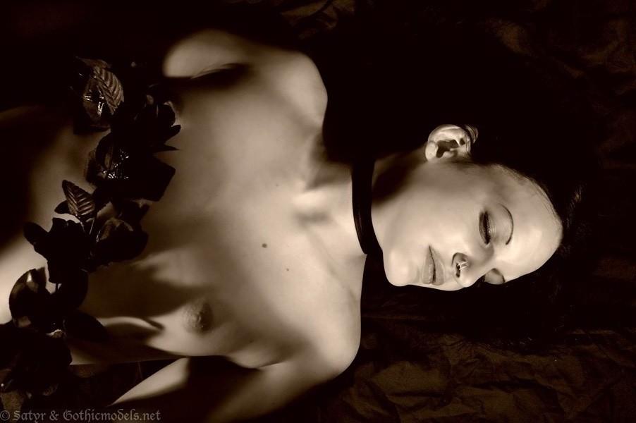 Countess_300605_006