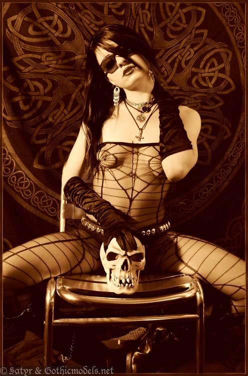 Devilia_270505_02