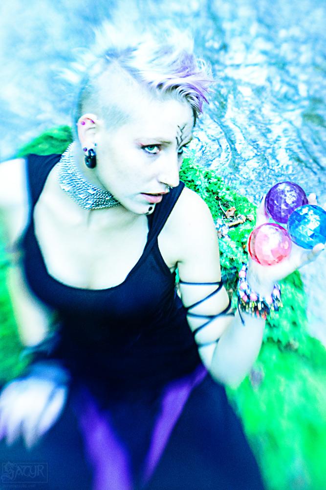 ladyinviolett_040912_01