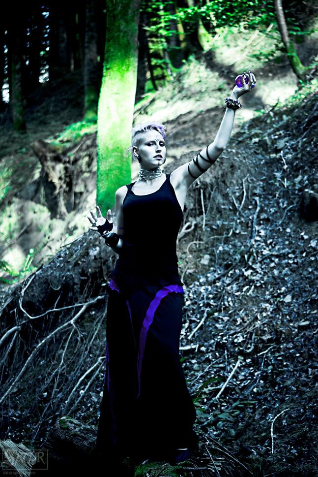 ladyinviolett_040912_06